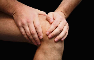 Артралгия коленных и тазобедренных: симптомы и лечение