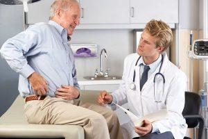 Какой врач лечит артрит: ревматолог и травматолог