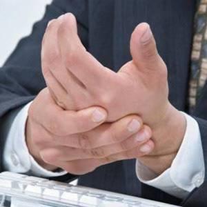 Болят суставы рук: что делать, причины и лечение