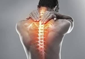 Боль в спине между лопатками: причины, лечение, почему болит спина