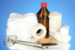 Первая помощь при растяжении связок: холодный компресс и фиксация