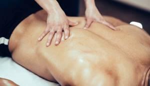 Массаж при поясничном остеохондрозе: как выполнять с пользой