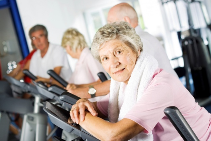 Можно ли заниматься спортом при остеохондрозе: разрешенные и запрещенные виды