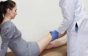 Болезнь Гоффа коленного сустава: лечение, симптомы, причины