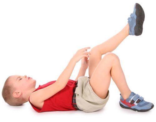Артрит коленного сустава у ребенка: симптомы и лечение
