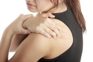 Лечение хондроза плечевого сустава: медикаменты, массаж, ЛФК, народные средства
