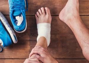 Растяжение голеностопа: что делать?