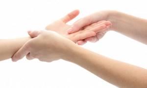 Болят суставы рук: как лечить народными средствами