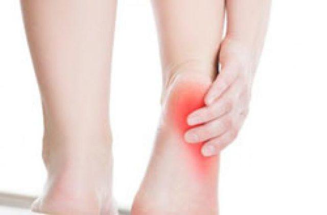 Болят пятки при ходьбе: причины боли, методы лечения