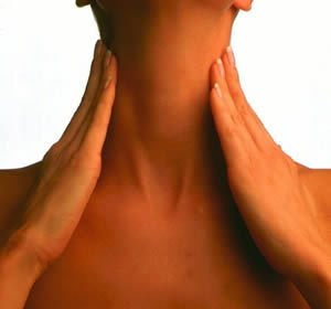 Растяжение мышц шеи: причины, симптомы, методы лечения