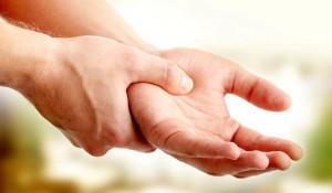 Немеет левая рука от локтя до пальцев: основные причины