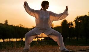 Гимнастика Цигун для позвоночника и суставов: упражнения и правила выполнения