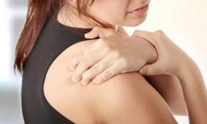 Шейно-плечевой остеохондроз: признаки, симптомы, методы лечения